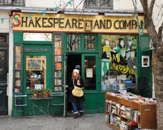 Shakespeare and Company, Paris [France] Shakespeare And Company Paris, Library Store, Gustave Eiffel, Shop Fronts, Book Nooks, Heaven On Earth, Amazing Architecture, Vacation Spots, My Dream