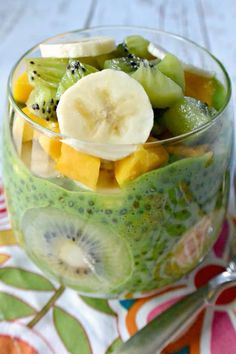 Breakfast Chia Pudding is naturally sweetened and perfect for easy meal prep so you can enjoy quick and healthy morning meals throughout the week. Healthy Morning Smoothies, Apple Smoothies, Nutritious Breakfast, Health Breakfast, Chia Seed Breakfast, Brunch, Vegetarian Recipes, Healthy Recipes, Healthy Menu