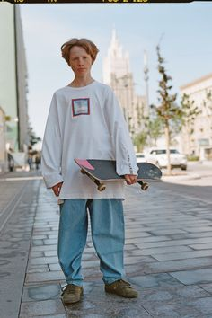 Gosha Rubchinskiy Reveals Next Move with New Rassvet Collection PACCBET Rassvet Winter 2018 Collection Gosha Rubchinskiy Moscow Skate Store Release Date For Sale Availbility Grunge Outfits, Boy Outfits, Fashion Outfits, Skate Outfits, Fashion Hats, Look Fashion, Mens Fashion, Fashion Design, Skate Fashion