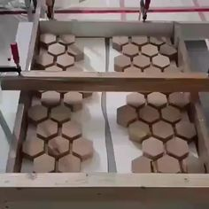 Carpentry projects - Woodworking Tips and Tricks Woodworking Bench Plans, Fine Woodworking, Woodworking Magazine, Woodworking Classes, Woodworking Furniture, Wood Bench Plans, Resin Furniture, Woodworking Machinery, Woodworking Workbench