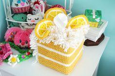 Lemon cake tissue box by Twinkie Chan. Kawaii Crochet, Crochet Food, Crochet Kitchen, Crochet Gifts, Cute Crochet, Crochet Dolls, Crochet Baby, Plastic Canvas Tissue Boxes, Plastic Canvas Patterns