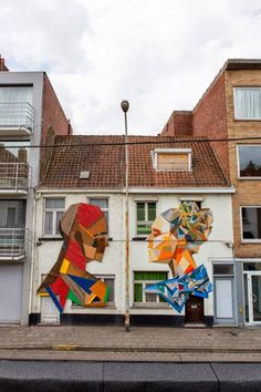 Stefaan De Croock aka Strook just finished working on this brilliant new piece somewhere on the streets of Bruges in Belgium.
