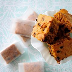 A portable snack that is perfect for busy mornings. Pumpkin snack cake!