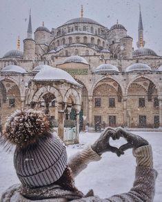 Let it snow, let it snow, let it snow ❄️☃❄️(Place:Sultanahmet Camii (Sultan Ahmed Mosque - Blue Mosque) Istanbul,Turkey) // Photography by Viktoriya Sener (@tiebowtie) • Instagram