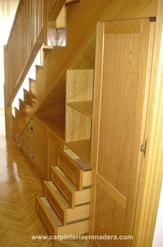 Under stair storage under stairs and stair storage on for Huecos de escalera