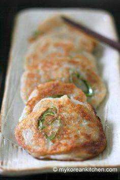 Korean Potato Pancakes (Gamja Jeon: 감자전) via @mykoreankitchen