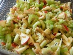 Delicious Family Recipes: Sweet Apple Chicken Salad (won't add stevia) Good lunch idea