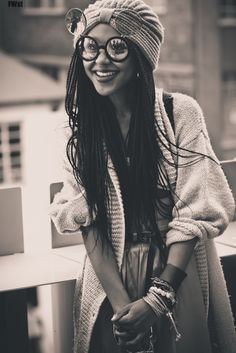 Uhhhhhh!!!! I love this. Love the photograph. Love the vintage style. Love the braids. Love everything !! her 90's style box braids :)