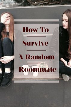 Random roommate problems are real. Here is how to deal with having a random roommate. Haing a random roommate is usually the best thing ever. College Freshman Tips, Girl College Dorms, College Dorm Essentials, College Checklist, College Hacks, College Dorm Rooms, College Life, Freshman Year, College Success