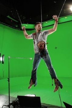 Jensen Ackles being set up for his Hell scene in Supernatural season 3 i.imgu… Jensen Ackles is being prepared for Jensen Ackles, Daneel Ackles, Sam E Dean Winchester, Winchester Brothers, Supernatural Season 3, Supernatural Fandom, Supernatural Bunker, Mark Sheppard, Misha Collins
