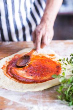 Nopea tomaattikastike pizzalle