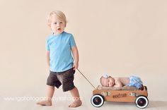 TG PHOTOGRAPHY: Posing Newborn Babies With Siblings | Tulsa Newborn Photographer