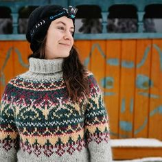 Hand Knitted Sweaters, Knitted Hats, Icelandic Sweaters, Fair Isle Knitting Patterns, Knit Fashion, Girls Sweaters, Color Inspiration, Hand Knitting, Christmas Sweaters