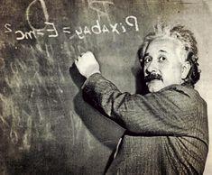 Dr.Strange'deki zamanı kontrol işi nasıl oluyordu? Bazı günlerin çabucak bazılarının da hiç geçmediği hissini yaşıyor musunuz? Hah işte konumuz o değil. Sizin uzun günleriniz tamamen stresten ve yorgunluktan geçmek bilmiyor. Kusura bakmayın, bu makalemiz zaman kavramından ne anladığımız ve bir günümüzün gerçekten 24 saat olmamasıyla alakalı. Nasıl mı? Gelin izah edelim…   Einstein  Aslında zaman diye bir şey yok ve her şey hareket ile ilgili. Bunu ben değ Fictional Characters, Fantasy Characters