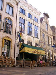 eetcafe restaurant ugly duck, zwanestraat, groningen. Lunchtip: broodje Duck!