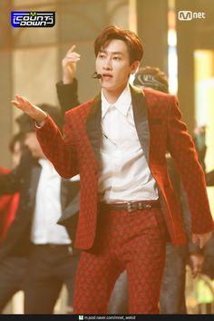 Lee Hyuk, Donghae Super Junior, Lee Donghae, V Live, Boyfriend Material, Korea, Concert, Sexy, Cute
