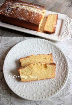 Ce cake est fabuleux, vraiment. Ultra-moelleux grâce au mascarpone et subtilement acidulé grâce au citron, il est à tomber. Un brin italien ...