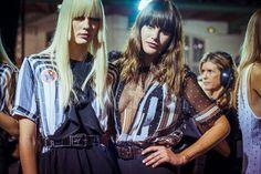 Le défilé Givenchy printemps-été 2015 côté beauté http://www.vogue.fr/beaute/buzz-du-jour/diaporama/fw2015-le-defile-givenchy-printemps-ete-2015-cote-beaute/20554/image/1096353#!10
