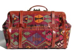 I love this bag, I want to travel the world with it.