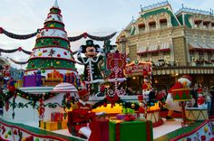 Mickey Mouse in Disney's Christmas Celebration Parade, Disneyland Paris