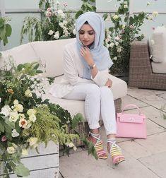Abaya Fashion, Muslim Fashion, Modest Fashion, Hijab Makeup, Hijabi Girl, Beauty Full Girl, Party Wear Dresses, Mode Hijab, Girl Poses