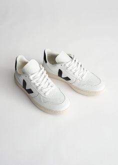 Veja Trainers, Veja Sneakers, White Sneakers, Casual Sneakers, Kurt Geiger, Veja V 10, Zara, Looks Style, Adidas Stan Smith