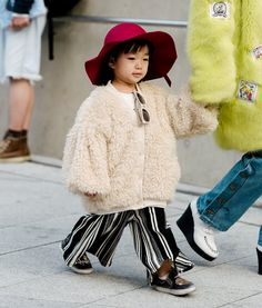 À la fashion week de Seoul, les fashionistas sont de plus en plus jeunes... (photo Vogue)
