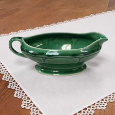 Mount Clemens Pottery Gravy Boat ~ Made in USA ~ Petal Pattern ~ 1930s.