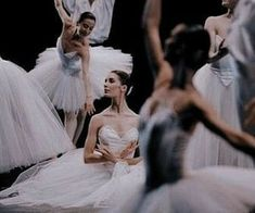 Book Aesthetic, Character Aesthetic, Aesthetic Pictures, Ballet Photography, Ballet Beautiful, Just Dance, Ballet Dancers, Poses, Appeasement