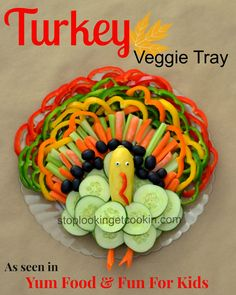 Turkey shaped veggie tray for Thanksgiving! Thanksgiving Truthan, Thanksgiving Appetizers, Holiday Appetizers, Holiday Treats, Holiday Recipes, Holiday Fun, Birthday Appetizers, Thanksgiving Vegetables, Appetizer Ideas