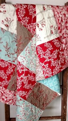 I am in love with this quilt. the bird print! The addition of the blue...love it! Quilt Winter/Christmas Quilt Rustic Cottage Quilt Lap by CoolSpool, $175.00