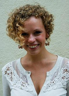 natural very short curly hairstyles 2015