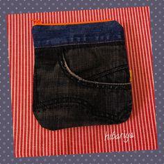 デニムの前ポケットの部分って可愛いので 何かに使えないかな…とポーチにしてみまし...