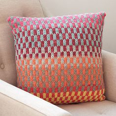 Yarnspirations is the spot to find countless free easy knit patterns, including the Bernat Fantastic Fair Isle Knit Pillow. Fair Isle Knitting Patterns, Knitting Blogs, Knitting Charts, Loom Knitting, Knitting Projects, Knitting Tutorials, Free Knitting, Motif Fair Isle, Fair Isle Pattern