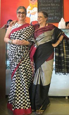 Simple Sarees, Trendy Sarees, Indian Beauty Saree, Indian Sarees, Indian Attire, Indian Outfits, Grey Saree, Saree Blouse Neck Designs, Indian Fashion Trends