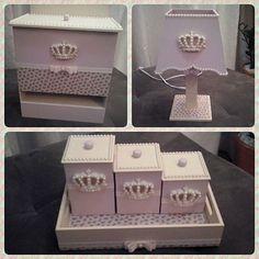 Mais um kit de princesa (coroa). Dessa vez com porta fralda é abajur. #mdf #artesanato #artesanatoemmdf #arteemmdf #pinturaemmdf #coroa #princesa #kitbebe #decorbabyroom #quartodobebe #quartodemenina #caixadecorada #amofazerartesanato #euquefiz