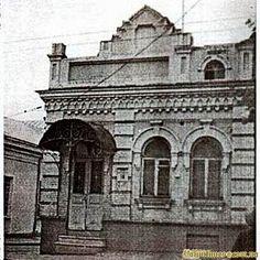 Колишній кінотеатр Чари. Кут вулиць Б. Хмельницького та Кривий вал