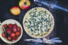Spinach and Feta Pie with an Oat Crust (crust: 1/2 c oat flour, 1/3 c almond flour, corn starch, 3 tbs butter; filling: 3 eggs, 5.5 oz feta, oregano, chili flakes, nutmeg, green onions, garlic, 2 c fresh spinach)