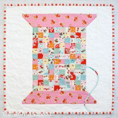 Vintage Cotton Reel Mini Quilt Pattern featuring Elea Lutz's Milk, Sugar & Flower fabric collection. #ilovepennyrose #pennyrosefabrics