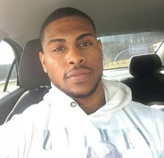 Hmm he's handsome Fine Black Men, Gorgeous Black Men, Handsome Black Men, Black Boys, Fine Men, Beautiful Men, Black Man, Bae, My Guy