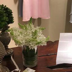 Vase, Home Decor, Bouquets, Decoration Home, Room Decor, Vases, Home Interior Design, Home Decoration, Interior Design