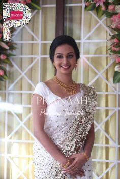 White wedding sarees google search blouse designs for Concepteurs de robe de mariage australien en ligne