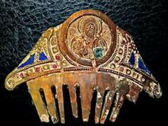 Ivory comb with raw-cut precious stones including rubies. Byzantine, found in Syria, 800 - 1000 AD