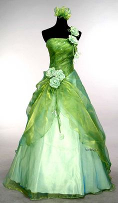 Green Wedding Gown - Found this in several places but available for sale from http://www.ebay.com/itm/Evening-Gown-Prom-Ball-Wedding-veil-Dress-green-SIZE6-8-10-12-14-16-Freeshipping-/190680379795