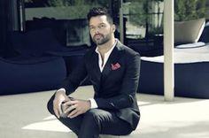 """Ricky Martin: """"La gente me quiere más tras decir que soy gay"""". Está en la cima de su carrera, pero conserva la ilusión del primer día. El cantante saca nuevo disco y se declara feliz como hace mucho tiempo que no lo era.  Mábel Galaz   El País, 2015-02-06 http://elpais.com/elpais/2015/02/05/estilo/1423134503_901801.html"""