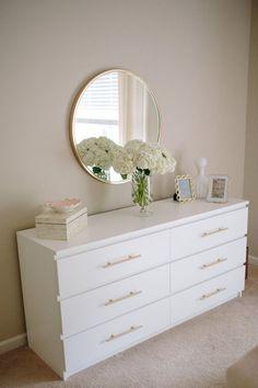 49 The Best Dresser Design Ideas That you can try in your Room – Dresser Decor Best Dresser, Dresser Ideas, Dresser Mirror, Ikea Malm Dresser, Ikea Dresser Makeover, Dresser Organization, Malm Drawers, Organize Dresser, Ikea Hack Nightstand