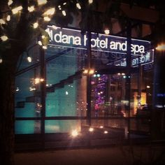 """@danahotelandspa's photo: """"State st. & Erie downtown #chicago I like to call it the corner of serenity."""""""