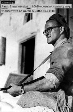 Aaron Stern, więzień nr 80620 obozu koncentracyjnego w Auschwitz, na warcie – Aaron Stern, więzień nr 80620 obozu koncentracyjnego w Auschwitz, na warcie w Jaffie. Rok 1948.