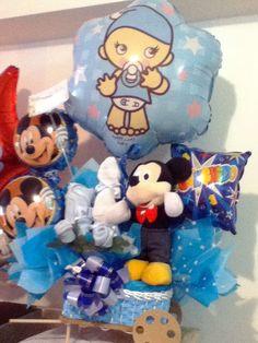 Mediecitas, globos medianos y grandes, lazos y un peluche de Mickey. Todo en un arreglo para el nacimiento de tu bebito #Caracas Smurfs, Balloons, Children, Fictional Characters, Art, Birth, Caracas, Hair Bows, Plushies