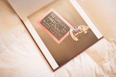 http://www.chemanaranjo.com/el-libro-de-marta-e-isaac-suave-seda-de-ciruela/    Libro-de-arte-en-bodas--10